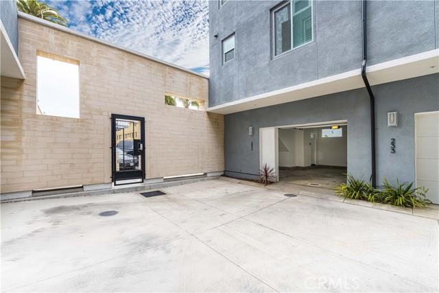 42. 231 Elm Avenue Long Beach, CA 90802