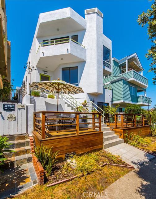 469 26th Street, Manhattan Beach, California 90266, 4 Bedrooms Bedrooms, ,3 BathroomsBathrooms,For Sale,26th,SB15183510
