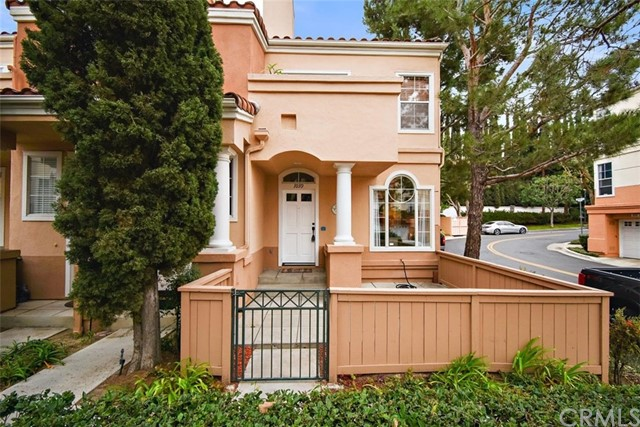 1039 S Stresa Way, one of homes for sale in Anaheim Hills