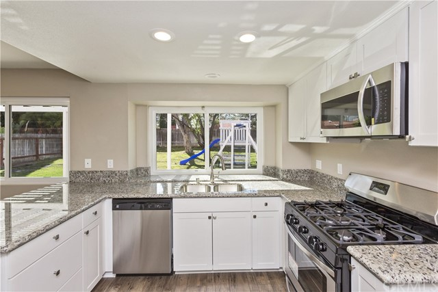 45377 Clubhouse Dr, Temecula, CA 92592 Photo 14