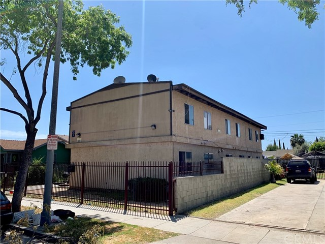 1430 E 17th Street, Long Beach, CA 90813