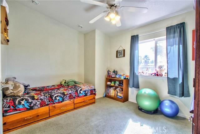 Second home- Den area or possible 3rd bedroom (no closet)