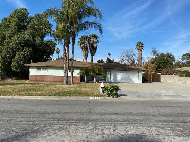 22592 Minona Drive, Grand Terrace, CA 92313