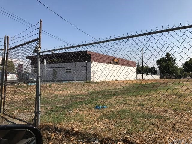 825 E Foothill Boulevard, Rialto, CA 92376