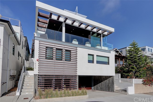 1530 Manhattan Avenue, Hermosa Beach, California 90254, 4 Bedrooms Bedrooms, ,3 BathroomsBathrooms,For Sale,Manhattan,SB20152639