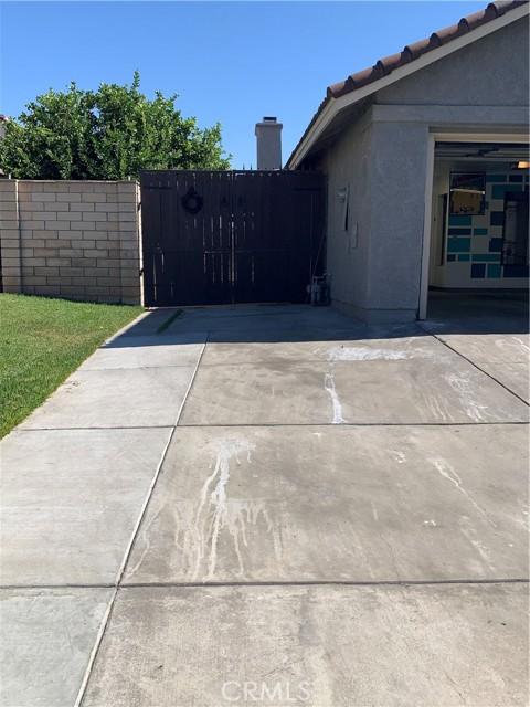 11473 Homewood Place, Fontana CA: https://media.crmls.org/medias/64af0e1a-d3bb-4460-9703-612a31a130ce.jpg