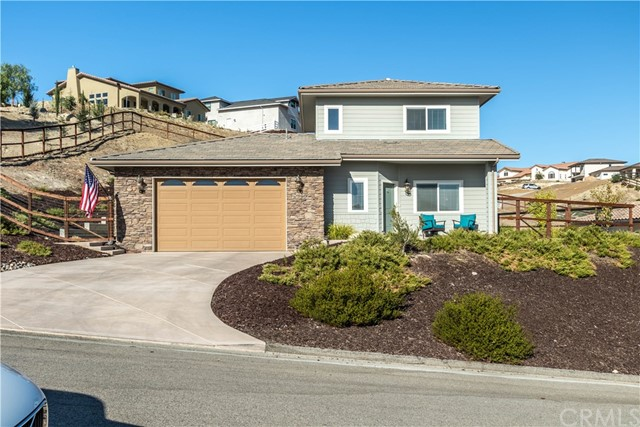 2715 Glenbrook Place, Paso Robles, CA 93446