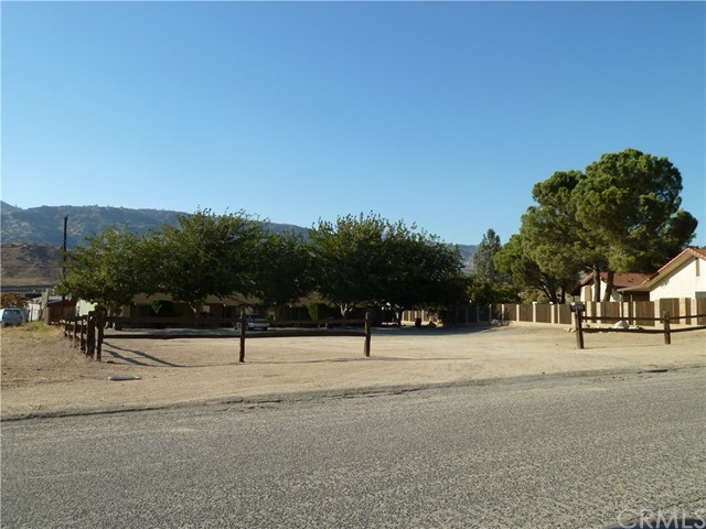3801 Wagon Wheel Drive, Lake Isabella, CA 93240