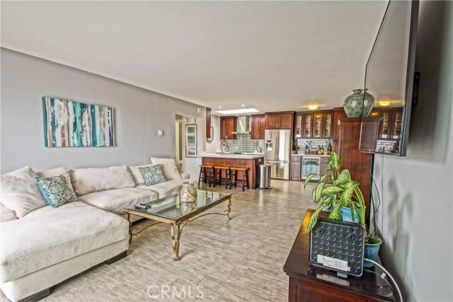 77 15th 12, Hermosa Beach, California 90254, 2 Bedrooms Bedrooms, ,2 BathroomsBathrooms,For Sale,15th,SB20087335