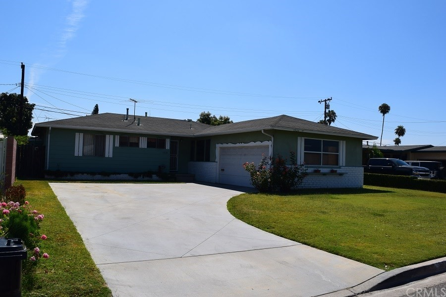 Tremendous potential on this wonderful located home in Garden Grove only two miles away from Disneyland and less than 4 miles away from freeway. This 3 bedrooms 2 baths home is sitting on close to 7300 square feet lot close to schools and shopping. You don't want to miss this opportunity.