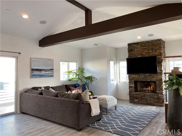 421 11th Street, Hermosa Beach, California 90254, 3 Bedrooms Bedrooms, ,2 BathroomsBathrooms,For Sale,11th,SB21034614