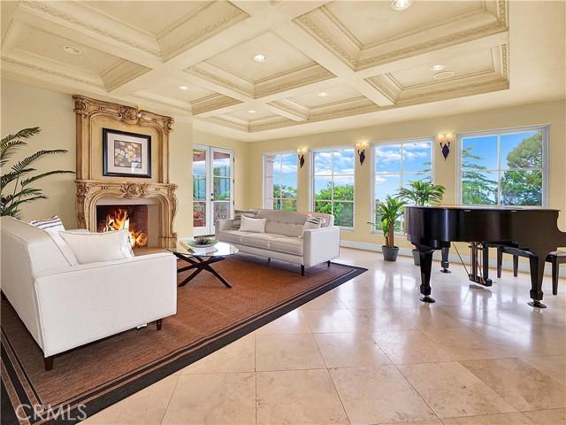 6. 1012 Via Mirabel Palos Verdes Estates, CA 90274