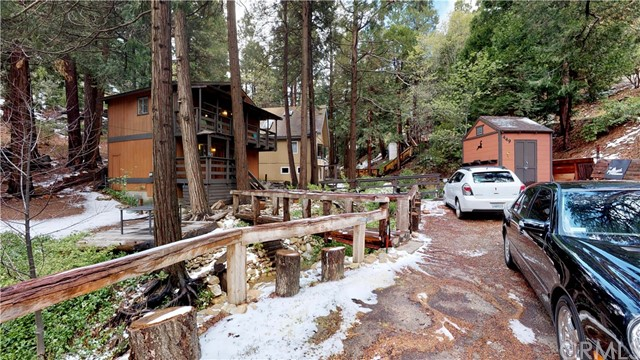 449 Clubhouse Drive, Twin Peaks, CA 92391
