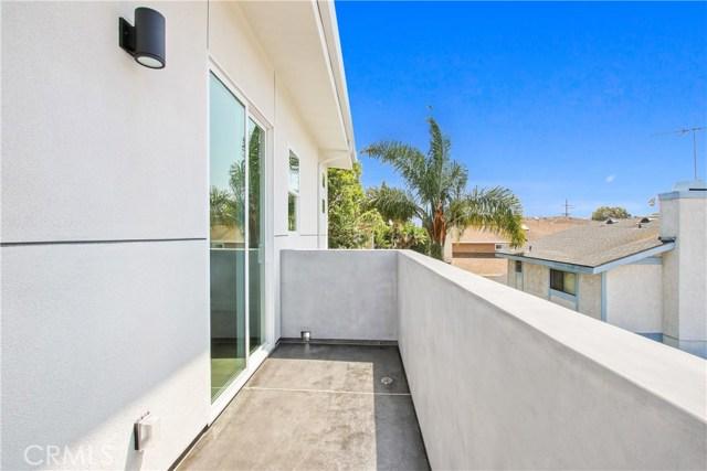 1914 Marshallfield Lane B, Redondo Beach, California 90278, 4 Bedrooms Bedrooms, ,3 BathroomsBathrooms,For Sale,Marshallfield,SB20122993