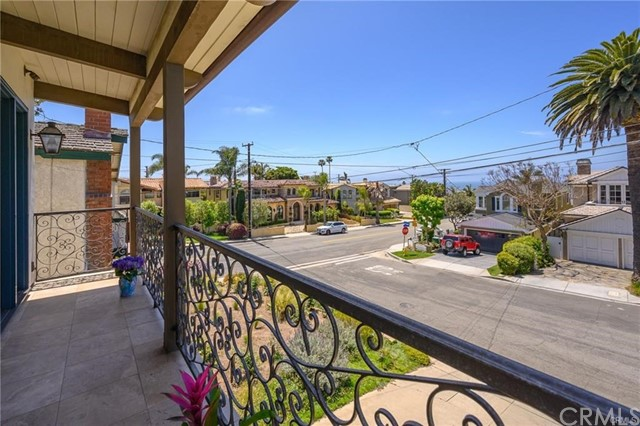 Property for sale at 204 Anderson Street, Manhattan Beach,  California 90266