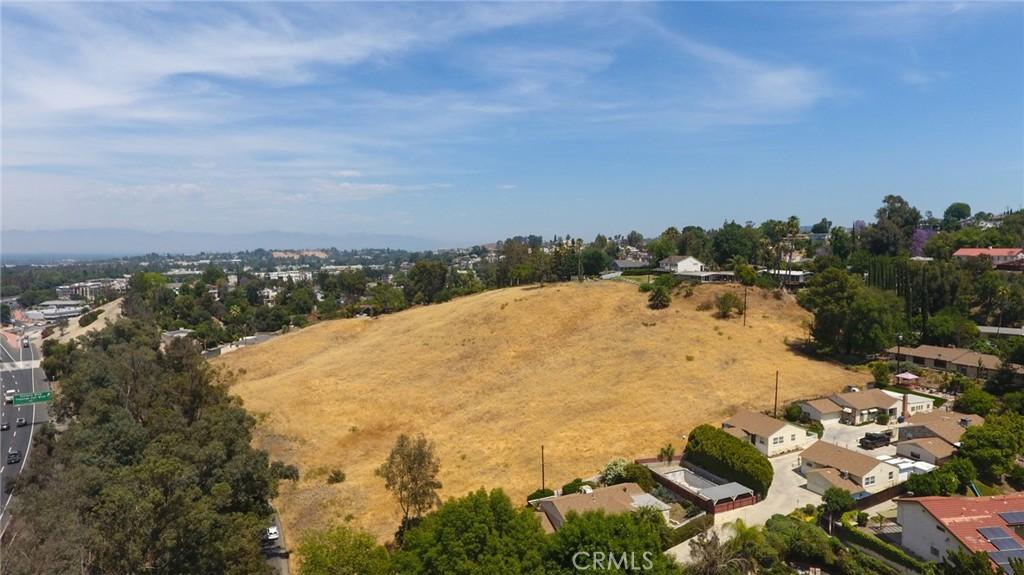 Photo of 22400 Avenue San Luis, Woodland Hills, CA 91364