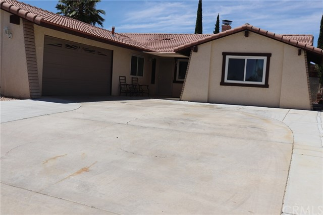 2070 Diamond Ave, Barstow, CA 93211