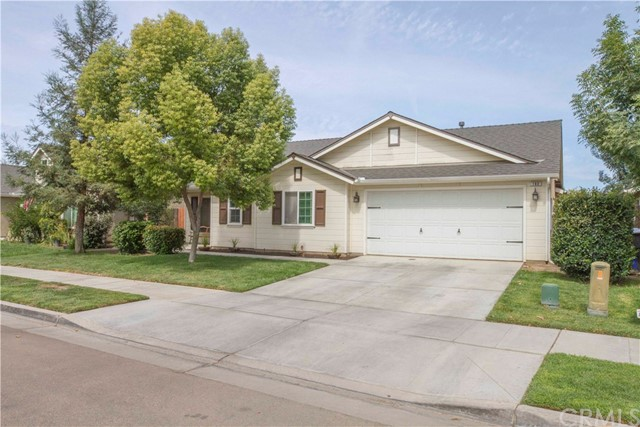 180 E Carpenter Avenue, Reedley, CA 93654
