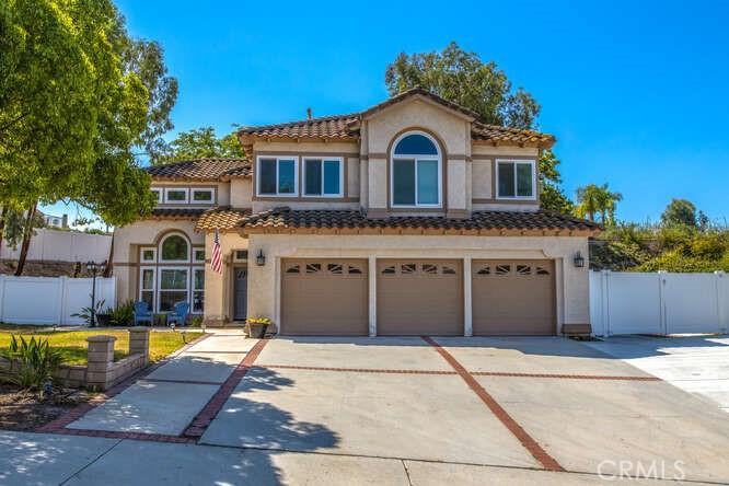 912     Clearwood Avenue, Riverside CA 92506