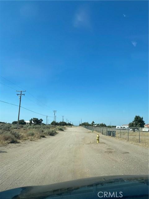 8589 Aster Rd, Oak Hills, CA 92344 Photo 5
