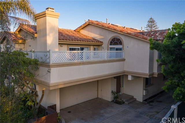 2014 Grant Avenue, Redondo Beach, California 90278, 3 Bedrooms Bedrooms, ,2 BathroomsBathrooms,Townhouse,For Sale,Grant,SB19085077