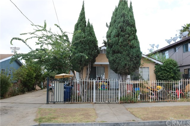 823 Bay View Avenue, Wilmington, CA 90744