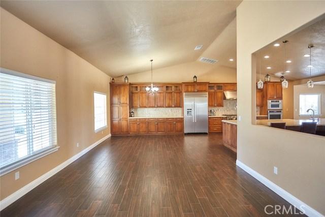6910 Oak Vista Ln, Oak Hills, CA 92344 Photo 4