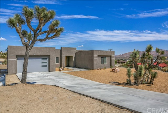 6383 Red Bluff Avenue, Yucca Valley, CA 92284