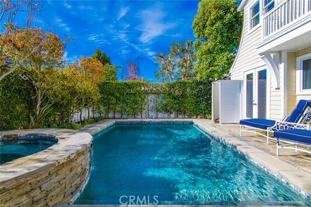 21 Castaways N, Newport Beach, CA 92660