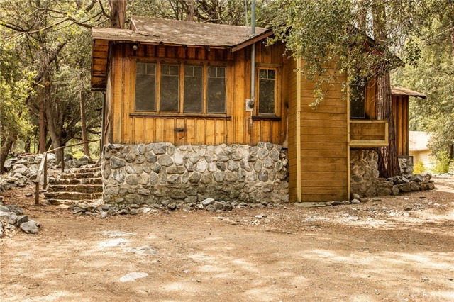 40191 Valley Of The Falls Drive, Forest Falls, CA 92339