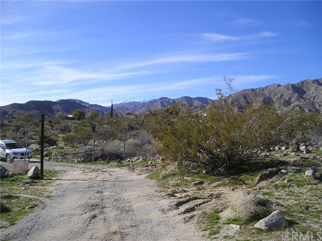 9525 Bardell Road, Morongo Valley, CA 92256