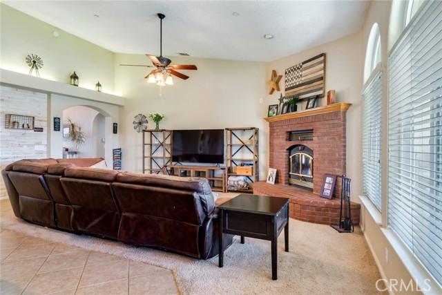 9179 Kittering Rd, Oak Hills, CA 92344 Photo 6
