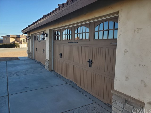 8370 Joshua Rd, Oak Hills, CA 92344 Photo 5