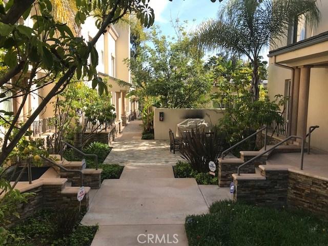 272 E Glenarm St, Pasadena, CA 91106 Photo 4