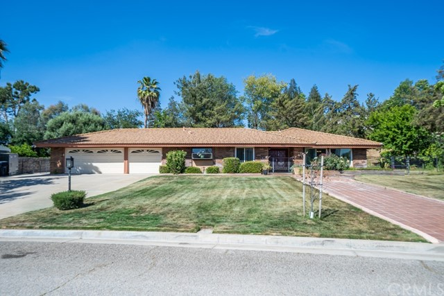 735 Wimbleton Drive, Redlands, CA 92374