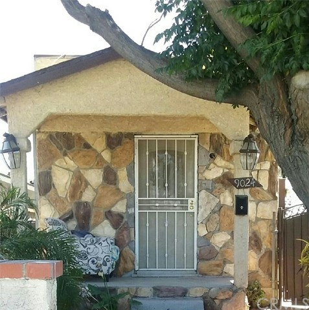9024 Elm Street, Los Angeles, CA 90002