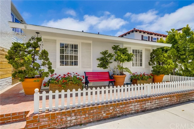 1313 W Bay Avenue, Newport Beach, CA 92661