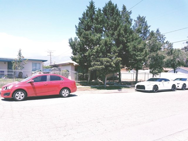 806 E 5th Street, Beaumont, CA 92223