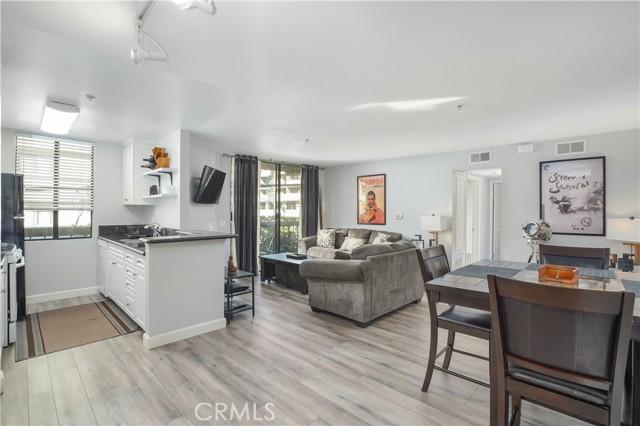 7320 Hawthorn Avenue 113, Hollywood, CA 90046