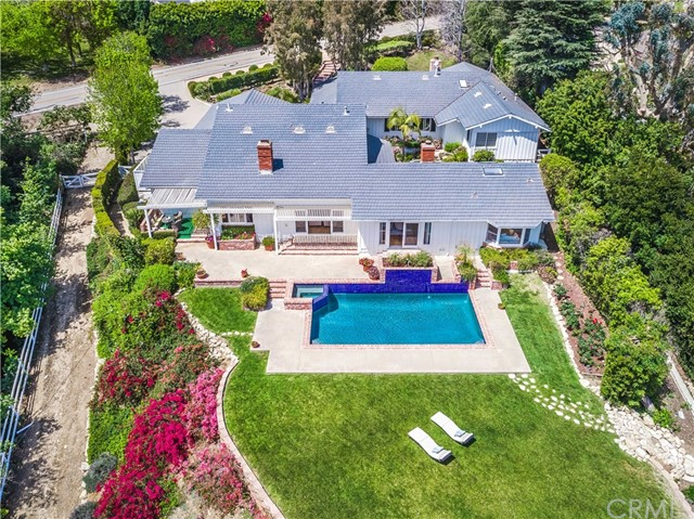 2 Outrider Road, Rolling Hills, CA 90274