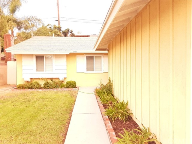 1761 E Helmick Street, Carson, CA 90746
