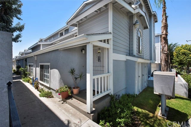 8182 Cobblestone Ln, Midway City, CA 92655 Photo 1