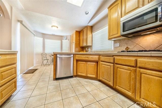 10788 Columbine Rd, Oak Hills, CA 92344 Photo 16