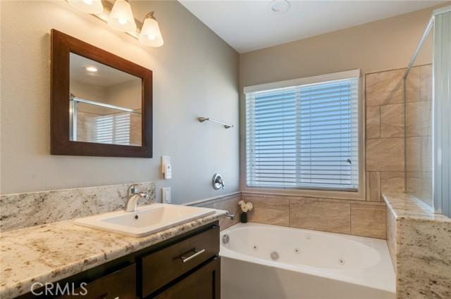 13470 Cromdale St, Oak Hills, CA 92344 Photo 22