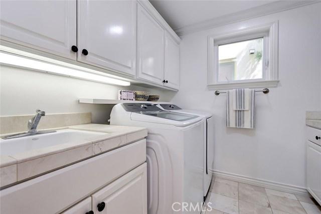 449 26th Street, Manhattan Beach, California 90266, 5 Bedrooms Bedrooms, ,4 BathroomsBathrooms,For Sale,26th,SB20164574