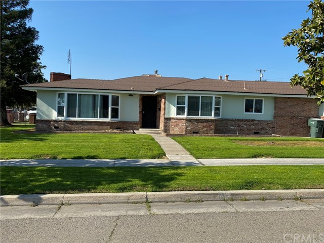 2705 N West Avenue, Fresno, CA 93705