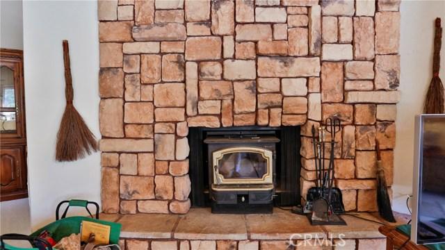 32998 Canyon Dr, Green Valley Lake, CA 92341 Photo 9