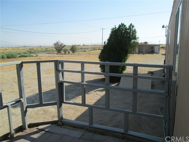 33461 Rabbit Springs Rd, Lucerne Valley, CA 92356 Photo 3