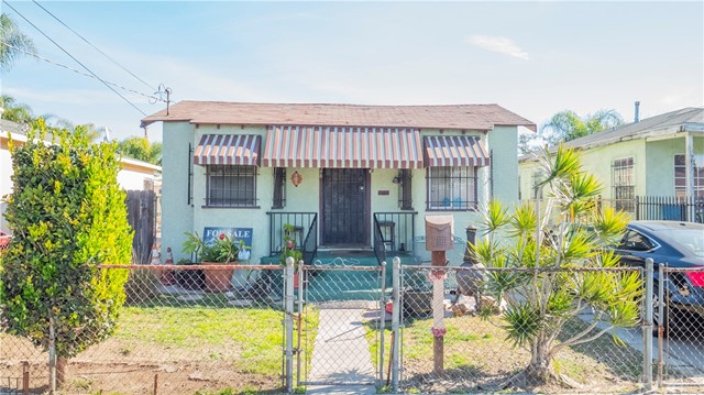 11226 Hooper Avenue, Los Angeles, CA 90059