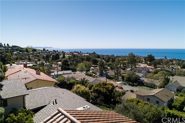 1613 Via Zurita, Palos Verdes Estates, California 90274, 4 Bedrooms Bedrooms, ,1 BathroomBathrooms,For Sale,Via Zurita,SB20100970